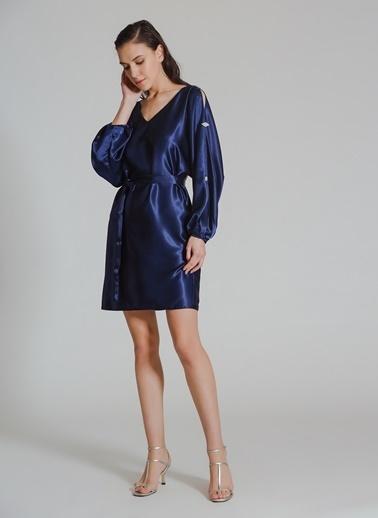 People By Fabrika Kol Detaylı Saten Elbise Lacivert
